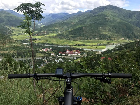 Off road Mountain Biking in Bhutan, Biking Adventure in Bhutan